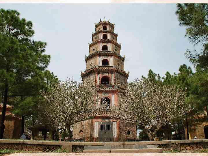 Thien Mu Pagoda, Vietnam 2020 – Everything You Need to Know