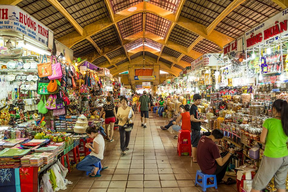 A day shopping in Ben Thanh Market - Best things you can buy in Ben Thanh  Market