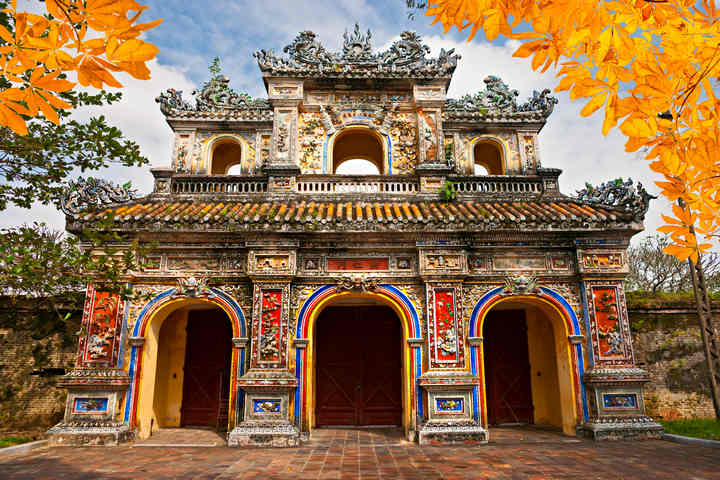 Hue ancient capital - the quintessence of royal culture