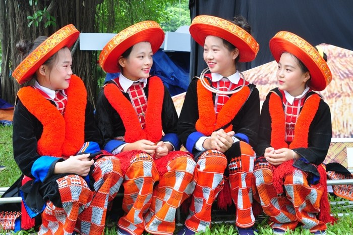 Traditional Clothes of Ethnic Groups in Sapa