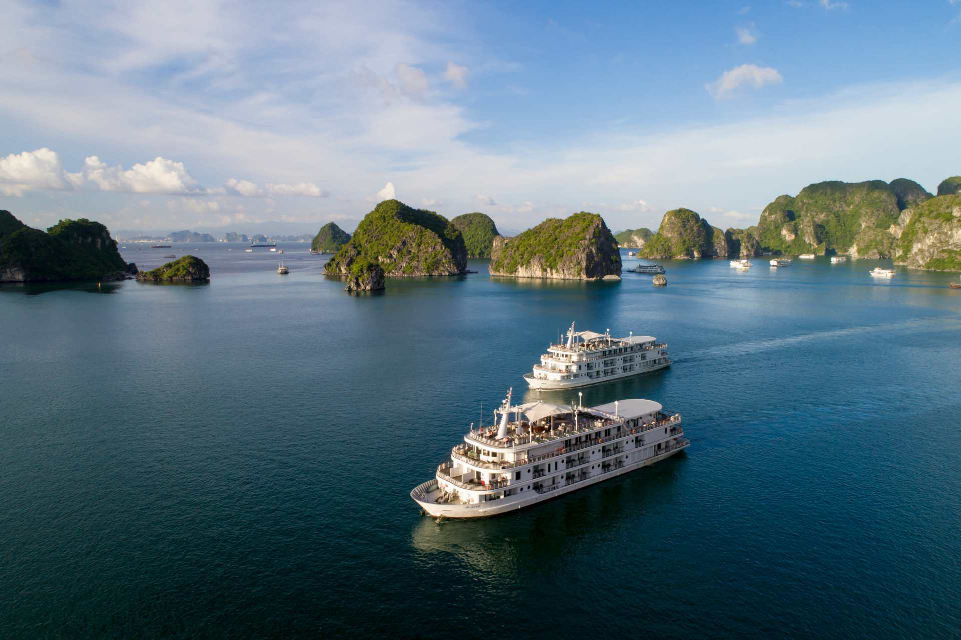 Halong cruise - The best place to visit