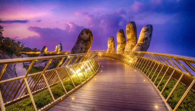 Picture of Vietnam's Golden Bridge Wins Architecture Photo Prize