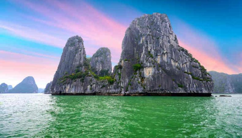 Ha Long Bay And Yen Tu Mountain: Free tickets In May