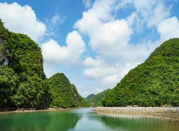 How to get to Cat Ba Island