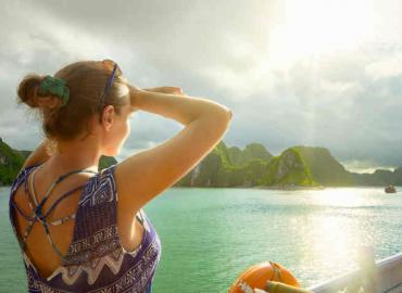 5 Things you should know about Halong Bay overnight cruise